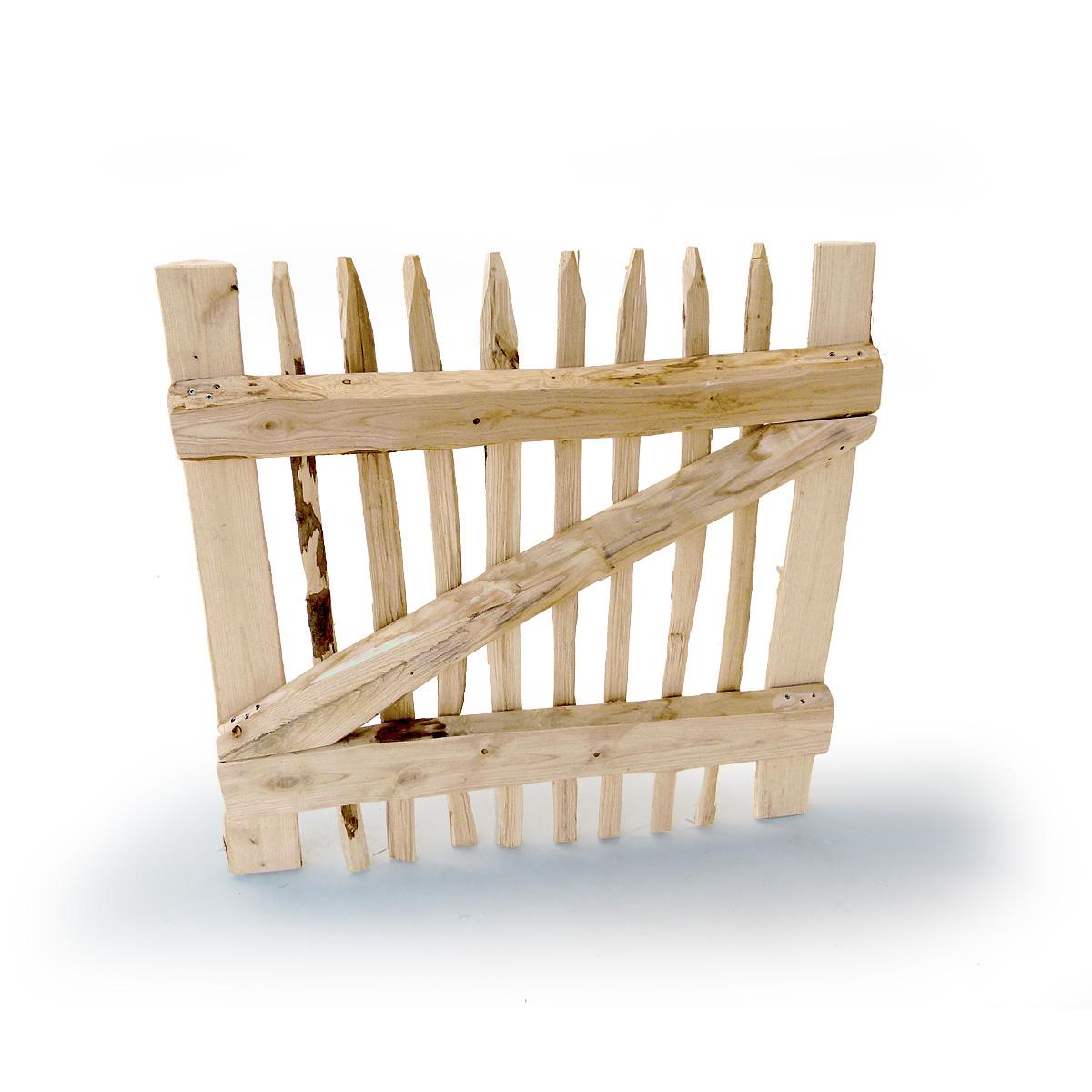 Gartentor Classic aus Staketen mit halbrunden Kastanienhölzern in Rahmenbauweise gefertigt.